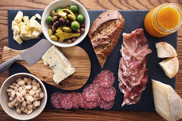 kaas en vleeswaren aanbieding